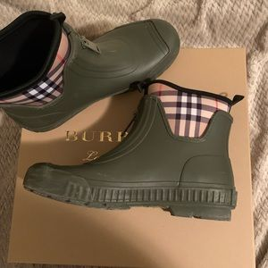 Burberry Short Rain Boots - Price is Firm